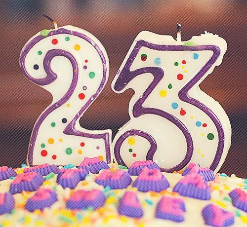 23 años